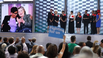 Clinton, Dems Put Gun Control at Center of Convention Stage