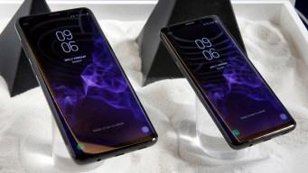 Samsung Investigating Reports of Phones Quietly Sending Pics