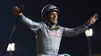 Jockey Victor Espinoza Injured After Horse Suffers Cardiac Arrest on Track, Dies
