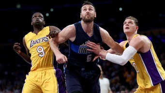 Lakers Finish Roster, Reportedly Signing Andrew Bogut