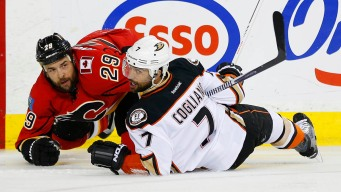 Ducks Vanquish Flames, 4-2, to Extend Series Lead