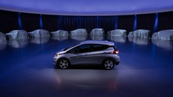 GM to Ditch Gas- and Diesel-Powered Cars, Go All Electric