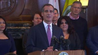 Garcetti Lands in Iowa for Presidential Candidates Forum