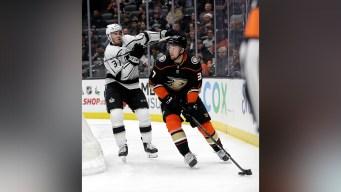 Ducks Hold Off LA Kings 4-2 in 1st Rivalry Meeting of Season