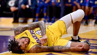 Lakers Drop Fourth Straight, Lose to Grizzlies