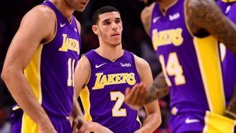 Lakers vs Warriors: Steph Curry, Lonzo Ball