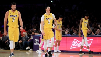 Lakers Beat Spurs, Win Third Straight