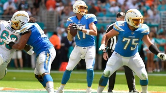 Chargers Win in Miami for First Time Since 1982