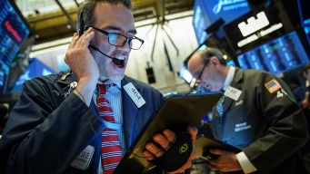 S&P 500 Hits 3,000 for First Time