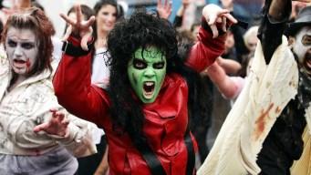 "Claws Up, ""Thriller"" Fans"
