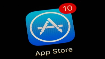 Supreme Court Allows Lawsuit Over iPhone Apps
