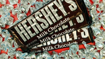 Hershey's Board Rejects Bid From Mondelez