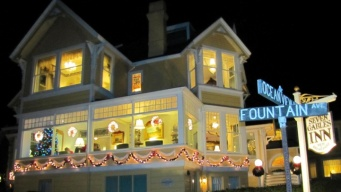 Join Pacific Grove's Glowful 'Christmas at the Inns'