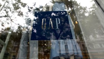 Gap Looking to Close Hundreds of Stores 'Quickly'