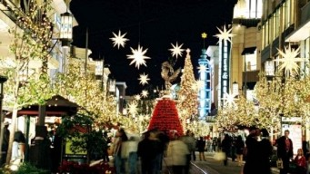 Weekend: The Grove Flips the Holiday Switch