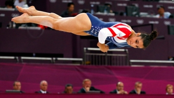 Raisman Wins Gold on Floor
