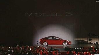 CEO Musk: Tesla Hits Weekly Goal of Making 5,000 Model 3s