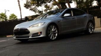 What Makes the Tesla S Car of the Year
