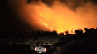 Evacuess Anxious for Info in Deadly Kern County Fire