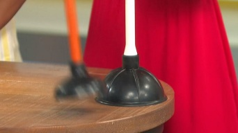 Toilet Tips: Picking Plungers and Jell-O for Your Toilet
