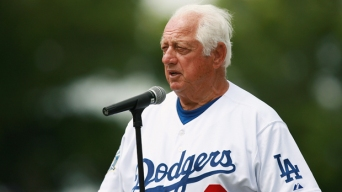 Tommy Lasorda Smitten With Magic's Dodgers