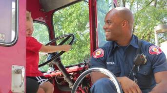 Meet a Pasadena Firefighter at Kidspace