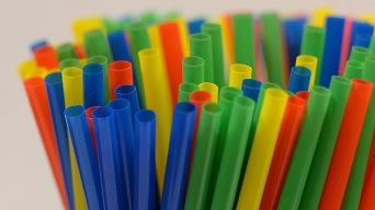 Plan in the Works to Ban Plastic Straws in All LA Restaurants by 2021