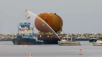 Shuttle Fuel Tank Arrives for Final Leg of Journey