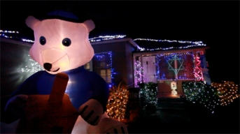 Fritz's Holiday Lights: Hanukkah Display Brightens Holidays For 5-Year-Old Cancer Patient