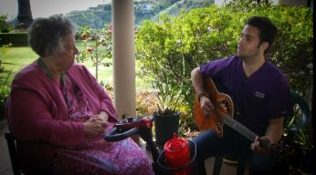 Music Therapist Comforts Hospice Patients with Song