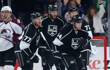 Kings Beat Avalanche 3-1 Eye Playoffs