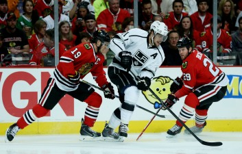 Kings' Offense Struggles as Kopitar Handcuffed by Toews in Game 1