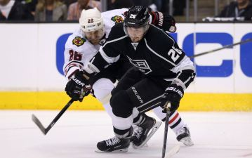 Kings Beat Blackhawks 5-2 in Game 4