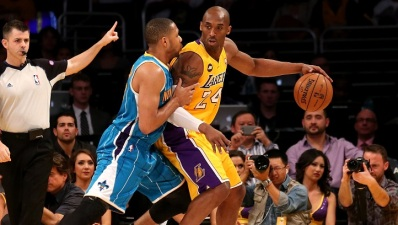 Lakers Beat Hornets, Kobe Bryant Incredible