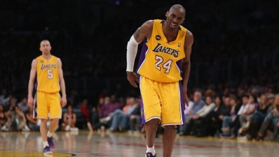 Kobe Bryant Returns to Lakers Practice
