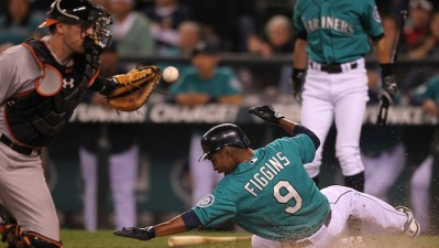 Figgins, Olivo Sign With Dodgers