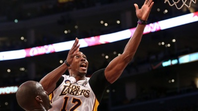 No Bryant or Gasol, No Problem for Lakers