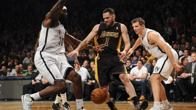 Lakers at Pistons: Blake & Farmar Leading LA