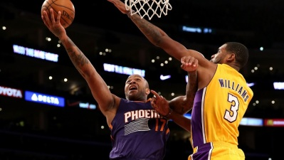 Lakers Adjust Lineup To Match Suns