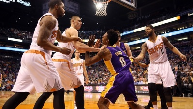 Lakers Hold Team Meeting, Talk Fighting