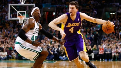 Lakers Break Streak, Beat Celtics
