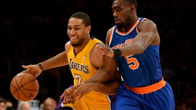 Lakers Beat Knicks in Record-Setting Win
