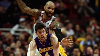 Carlos Boozer Adds to Lakers' Front Line