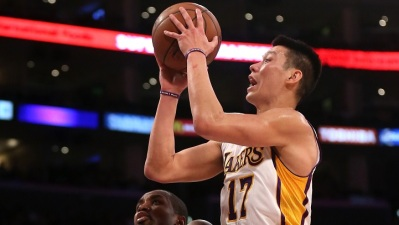 Hornets Swarm Lakers 104-103