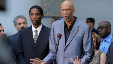 Kareem Abdul-Jabbar Agrees to Make Documentary