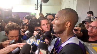 Kobe Bryant Returns to Full Lakers Practice