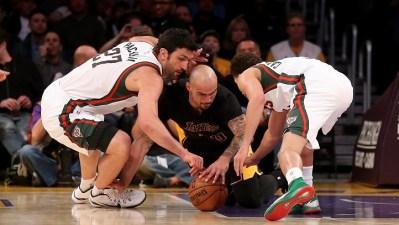 Streaking Lakers Host Thunder