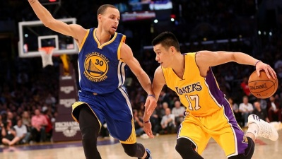 Lakers Take on Warriors
