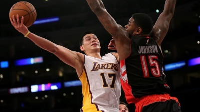 Lakers Go Cold, Lose in Toronto