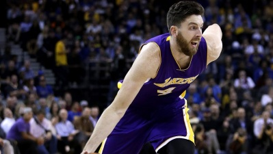 Lakers Edge Sixers 113-111 in Overtime